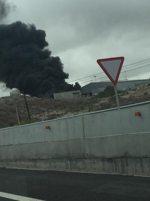 Incendio en Arico, Tenerife, nave industrial