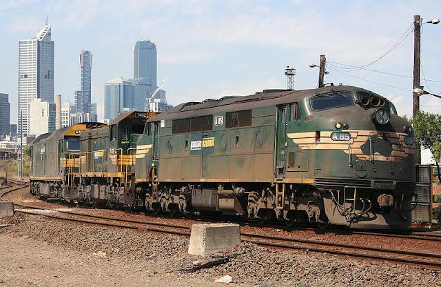 Gambar Kereta Api Lokomotif Diesel 05
