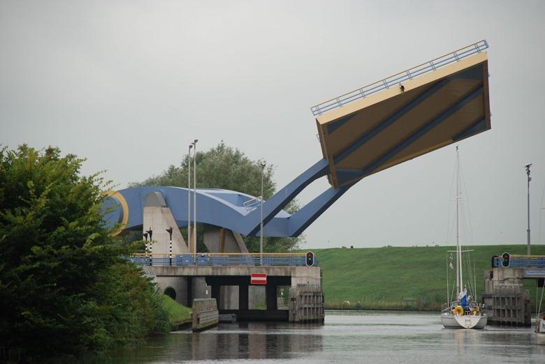 Este es un puente real en los Países Bajos