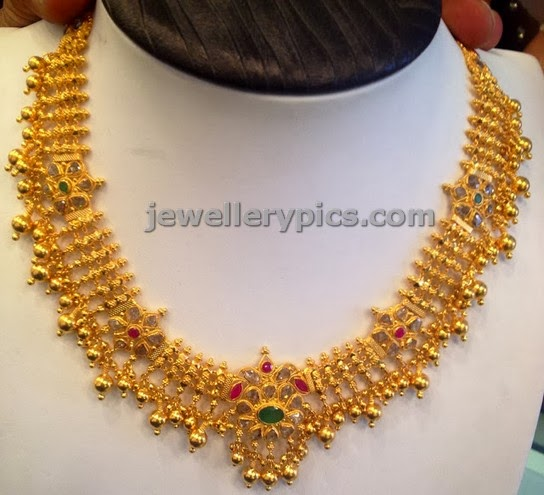 gold necklace beautiful uncut flower design