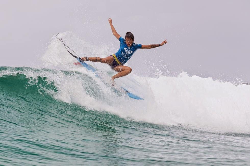 13 Roxy Pro Gold Coast 2015 Silvana Lima Foto WSL Kelly Cestari