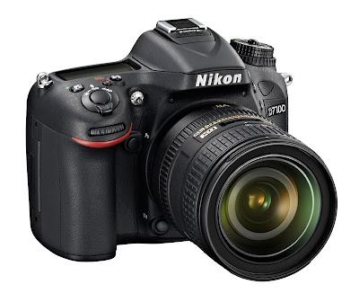 La Nikon D7100 fotografata di tre quarti