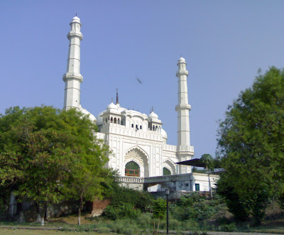 Teele Vali Masjid in Lucknow