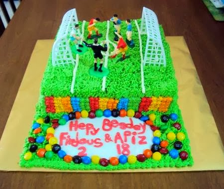Untuk Tempahan : Kek Padang Bola ( Rainbow Cake, Red Velved Cake, Moist Choclate Cake )