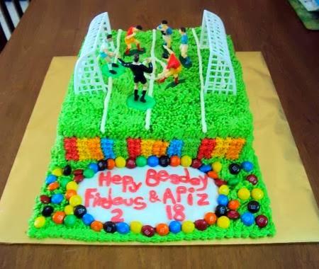 Untuk Tempahan : Kek Padang Bola ( Rainbow Cake, Red Velved Cake, Moist Choclate Cake )