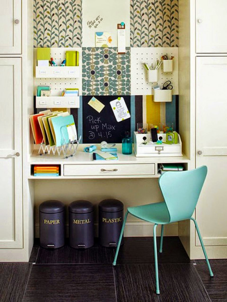 Tasty Minimalist Modern Home Office Design Ideas for Small Spaces