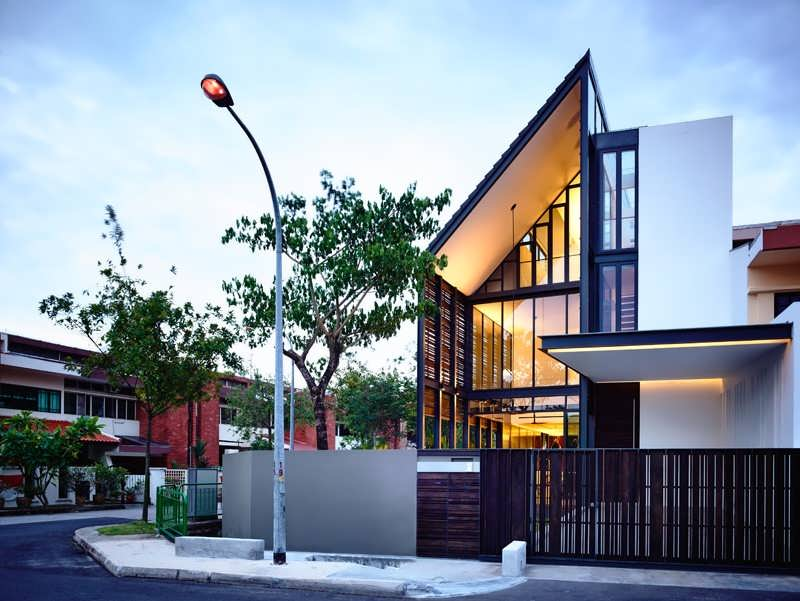 Creative family residential offers 2 storey corner terrace for Terrace house singapore