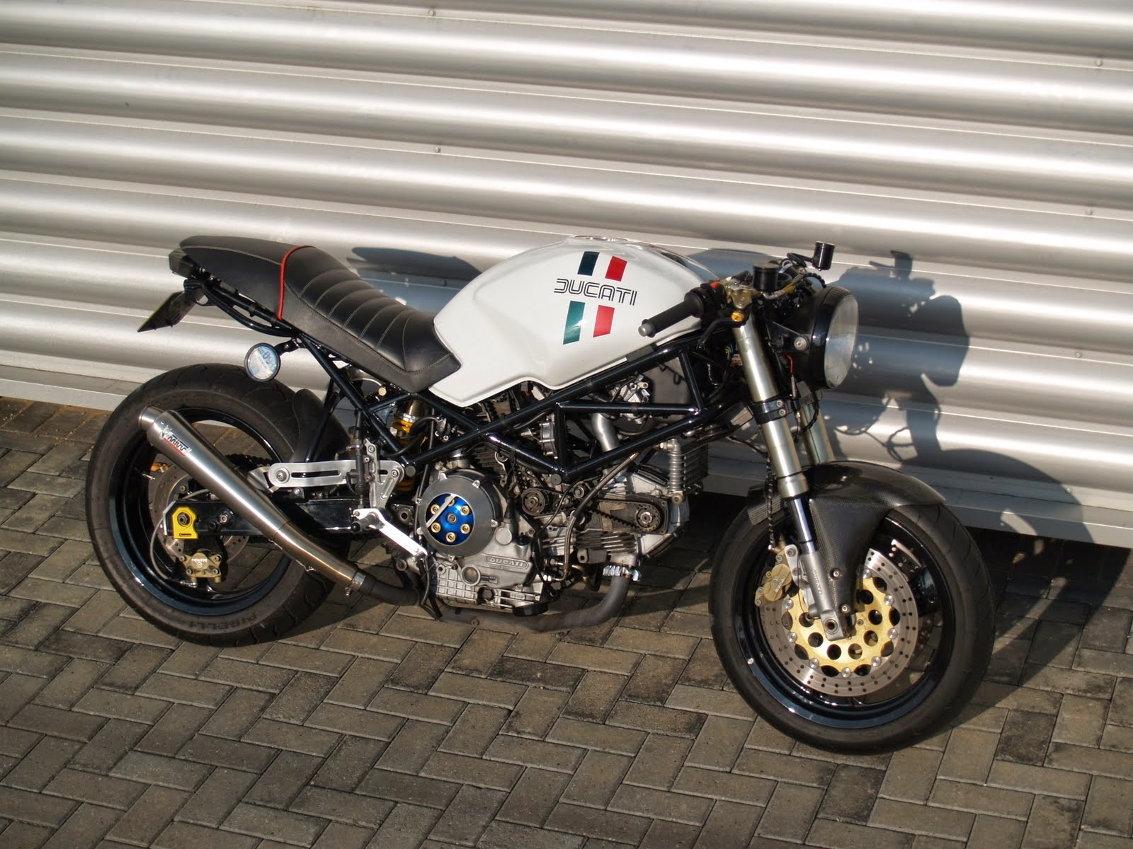 modif ducati monster cafe racer