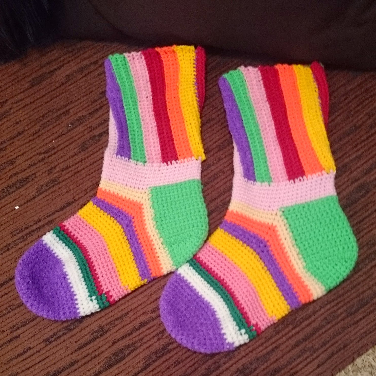 crochet womens socks rainbow stripy handmade wool yarn multicoloured