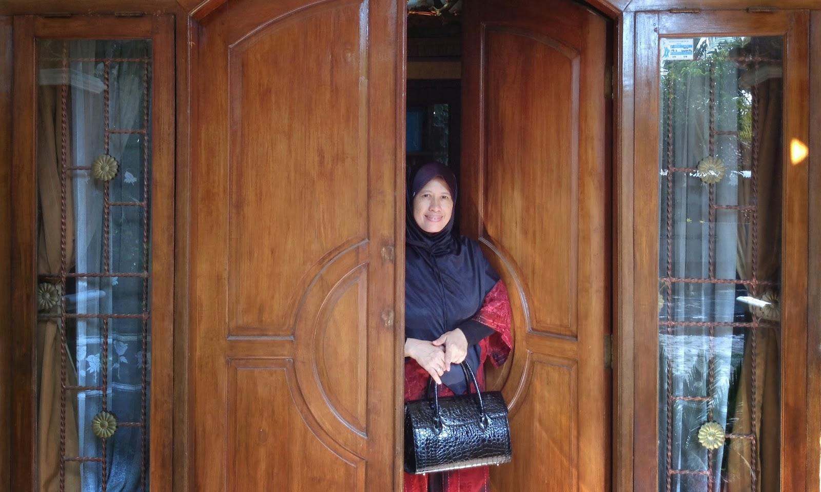 Ida Nur Laela Acer Aspire E1 432 Teman Tipis Tampil Keren