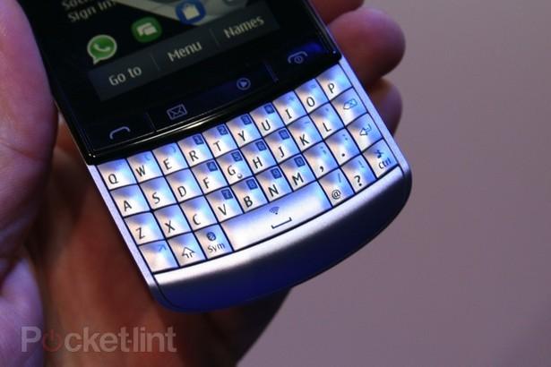 Sumber: Nokia Asha 303 ( Teknokers: Nokia Asha 303 )