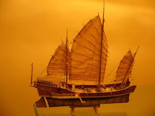 maqueta estática de barco junco chino red dragon de artesanía latina