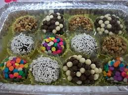 Mini-Marmitas  Personalizadas Para Festas de Aniversário