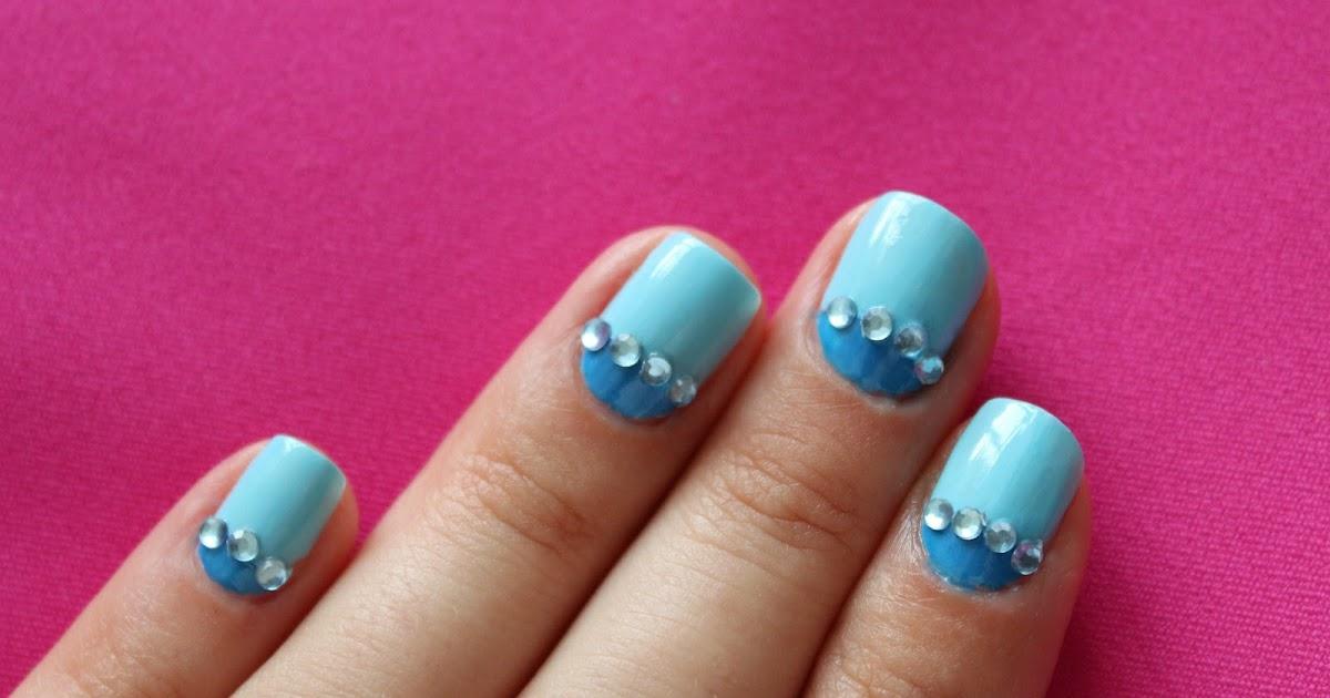 Стразы на короткие ногти фото розовый лак
