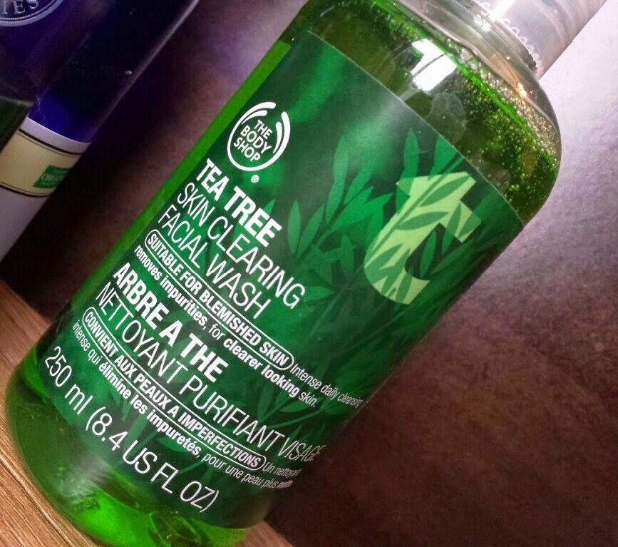 The Body Shop - Tea Tree Skin Clearing Facial Wash