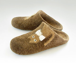 undyed felted shoes with a cat