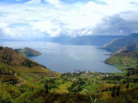 danau toba : tempat wisata di sumatera utara yang terkenal