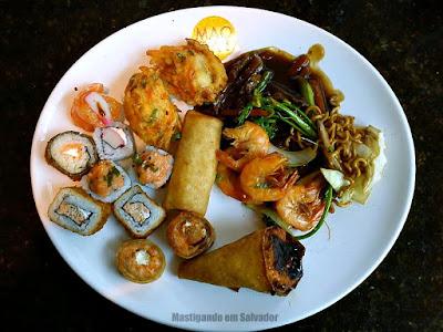Maotai: Prato com as opções do buffet