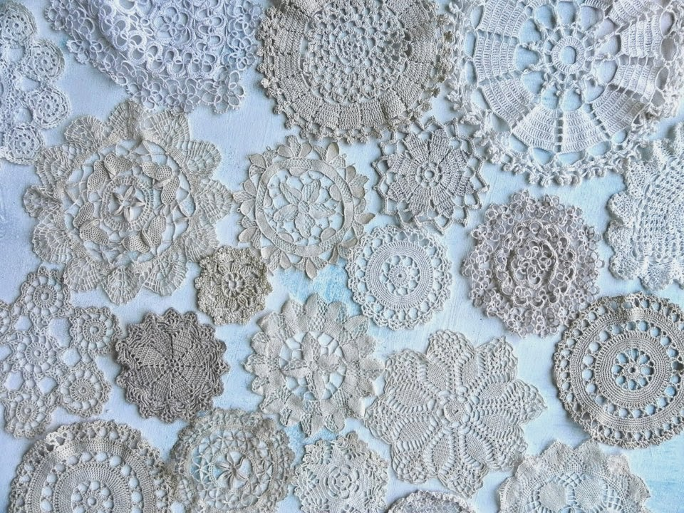Sweet doily table runner, by Summerland Cottage Studio, featured on ILoveThatJunk.com