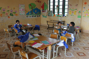 At Sế Mản Thẩn school, 5km from Simacai town.