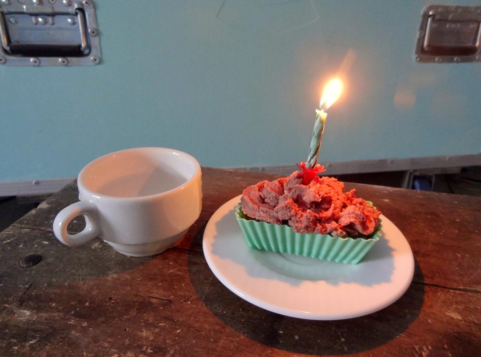 cat cup cake