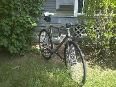 Desain Sepeda Fixie Balap Frame Hitam