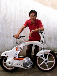Saigon student's folding electric bike