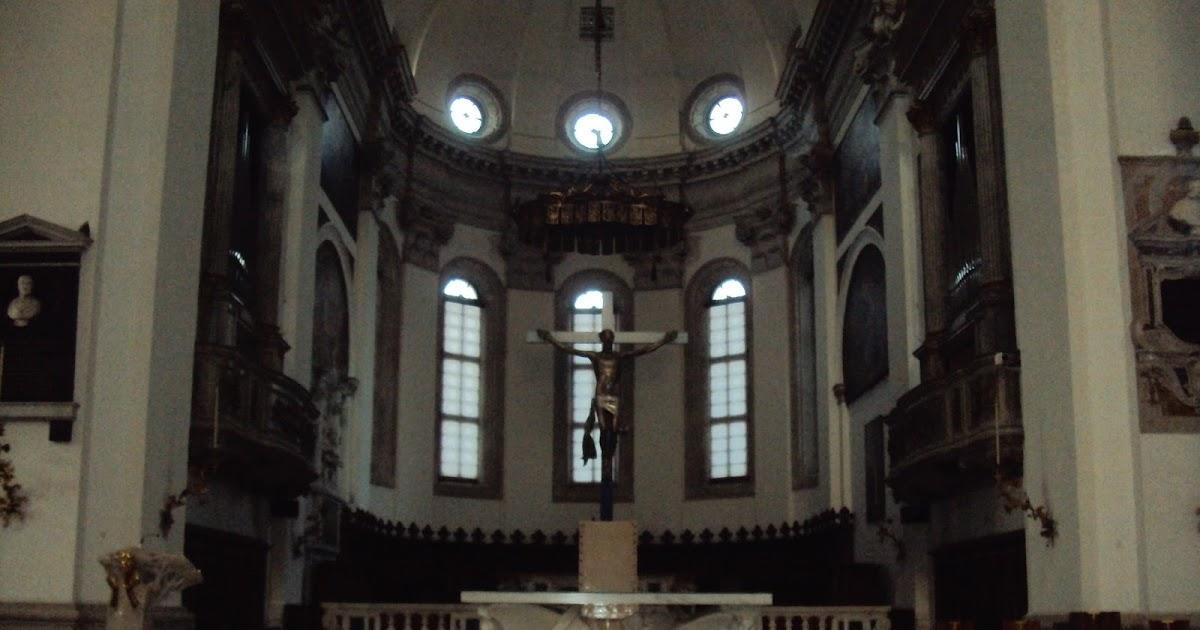 Arquitectura arte sacro y liturgia presbiterio e crocifisso for Arquitectura sacro