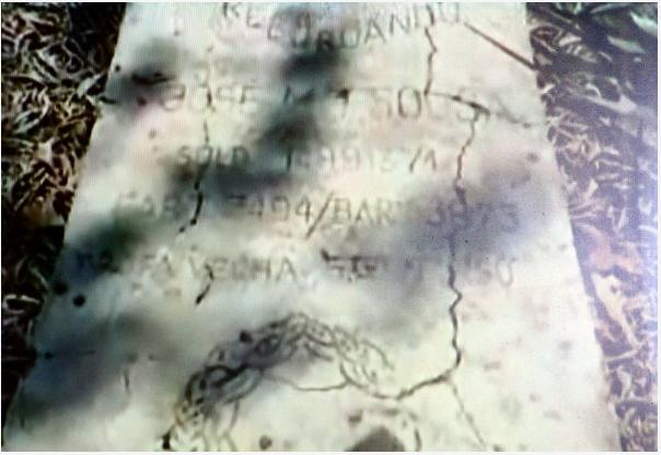 Cemitério de Bambadinca 2006 [Clicar na imagem]
