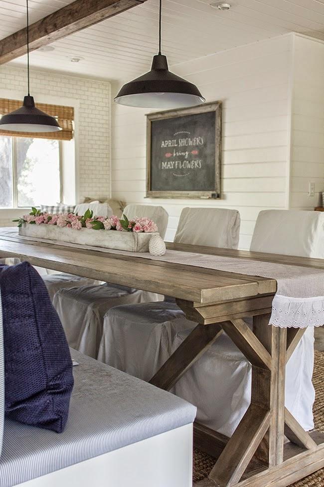 Keukentafel Met Stoelen : keukentafel met stoelen en een bank
