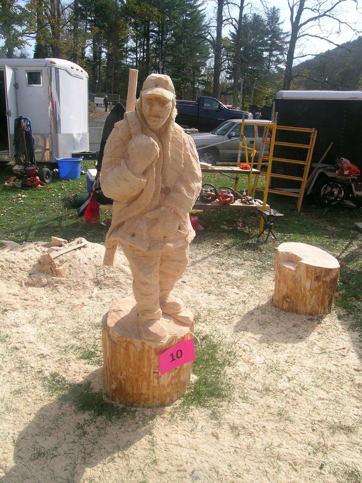 Luke sassani artist mid atlantic chainsaw carving