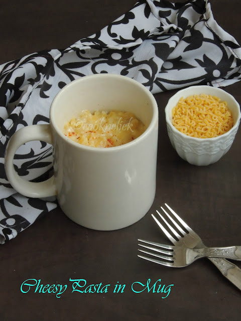 Quick Cheesy pasta in Mug