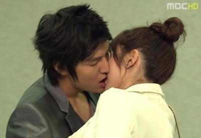 Gambar Foto Adegan Ciuman Artis Korea (Hot Kissing ala Korea)