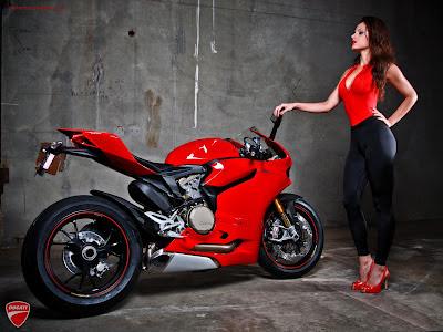moto-mujer-ducati-1199-babe-biker-foto-motomel-superbike-mejores-nicki minaj