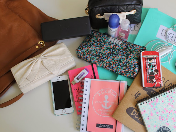 What's in my schoolbag? 2014-2015 - VIDEO!