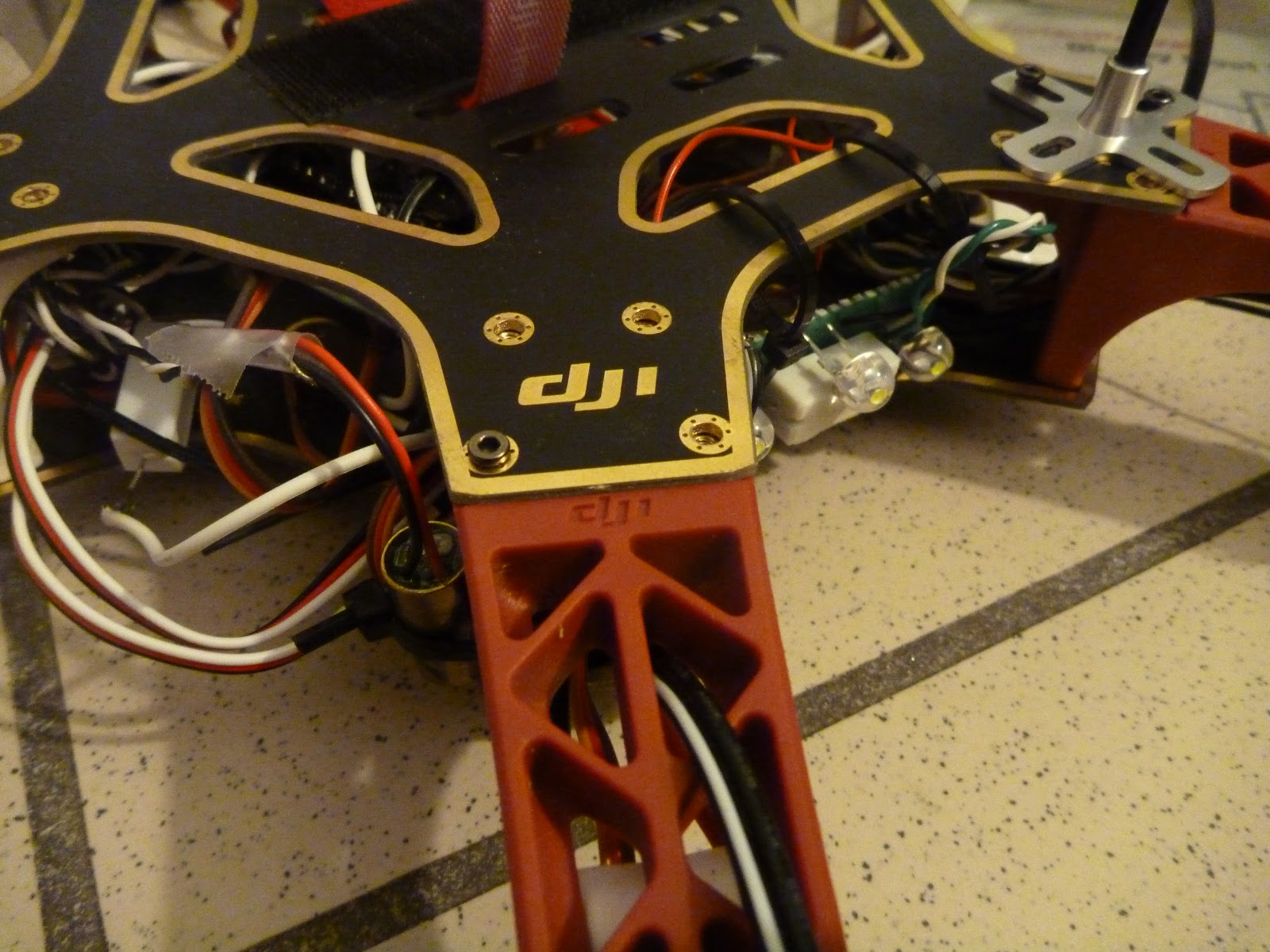 dji f550 drone    480 x 360