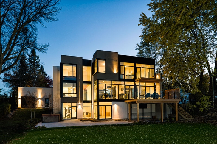 Backyard facade of Amazing Ottawa River House by Christopher Simmonds Architect