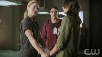 Arrow-S02E06-Keep-Your-Enemies-Closer