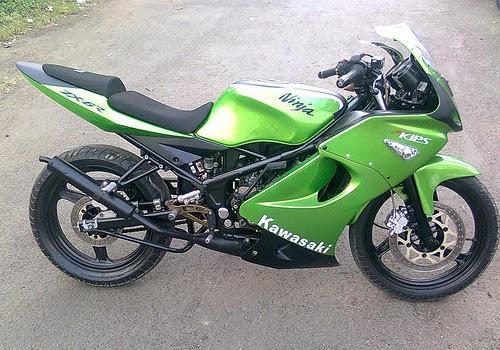 10 Modifikasi Motor Kawasaki Ninja 150 rr Terkeren title=