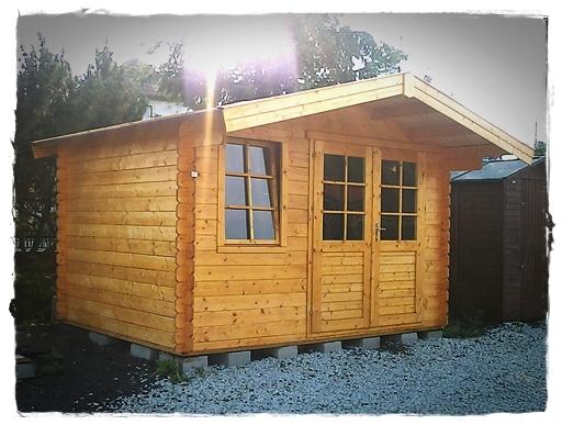 O małym drewnianym domku…
