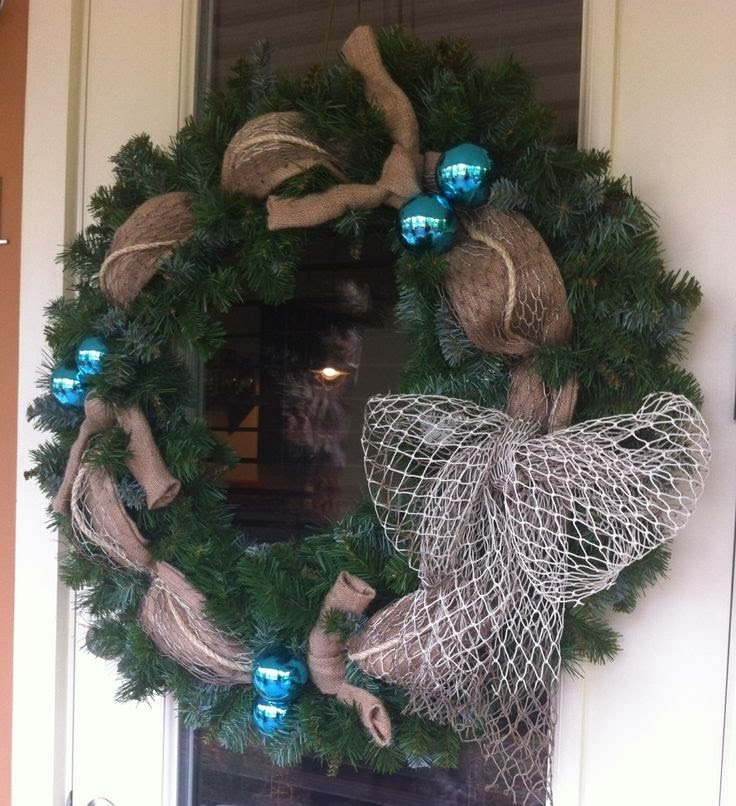 BEACH COTTAGE CHRISTMAS WREATH