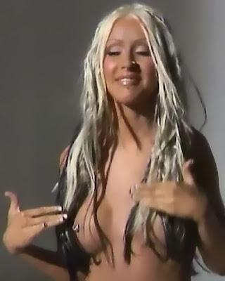 Christina Aguilera nude topless