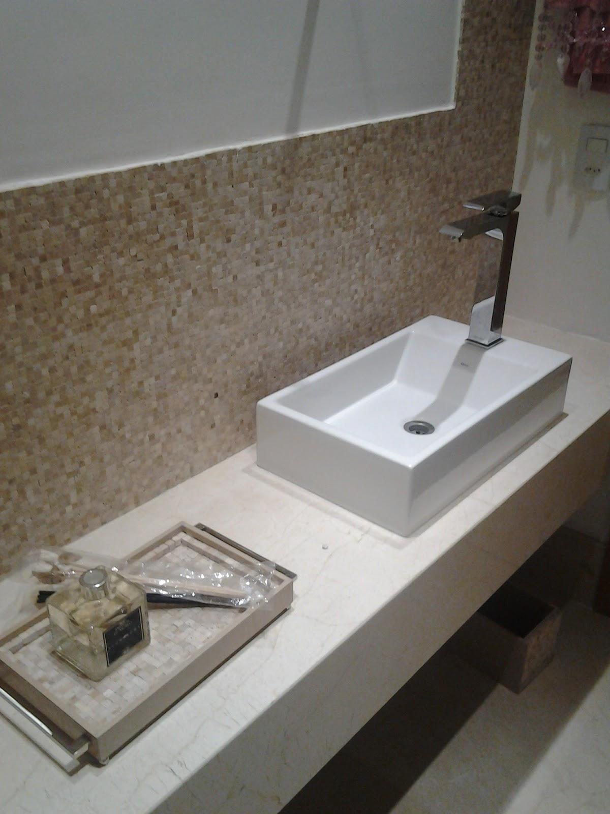 Arquiteta Adriana Furst: Acabamentos  #5D4F3F 1200x1600 Altura Pontos Hidraulicos Banheiro