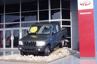 Would-be U.S. Mahindra dealers file suit