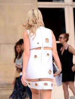سيدة الأعمال و أخت باريس هيلتون - نيكي هيلتون بثوب غريب و مثير في أسبوع الموضة في باريس