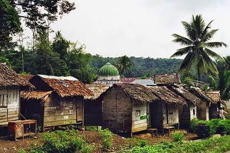 rumah gubuk untuk santri putra di musthafawiyah