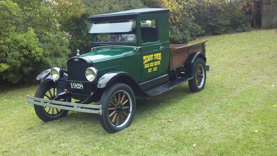 Jerry's 1928 Green Chev Truck