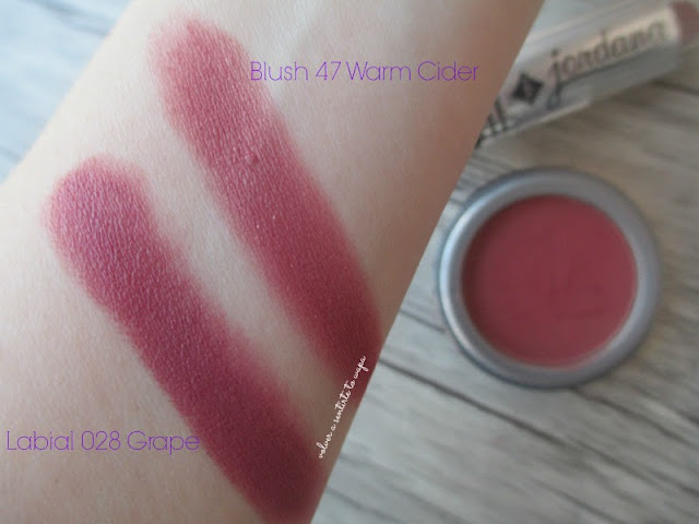 Swatches de Jordana: Colorete 47 Warm Cider de Jordana y Labial 028 Grape