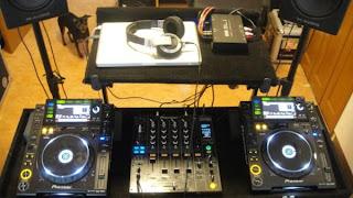 Equipamentos para dj, equipamento de dj, fone dj, mixer dj, speaker dj, dj para festas, mesa dj. mesa de dj, equipamentos para dj iniciante, quais os equipamentos para dj, equipamentos para dj completo, todos equipamentos para dj, aparelhos de dj, equipamentos de dj, aparelhos para festas, produtos para djs.