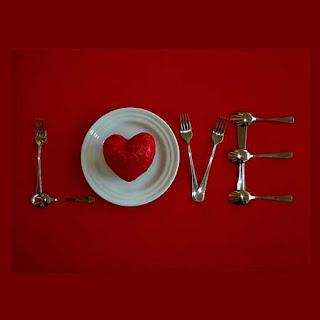valentines dinner%5B1%5D Como fazer vidros decorados com glitter e velas.